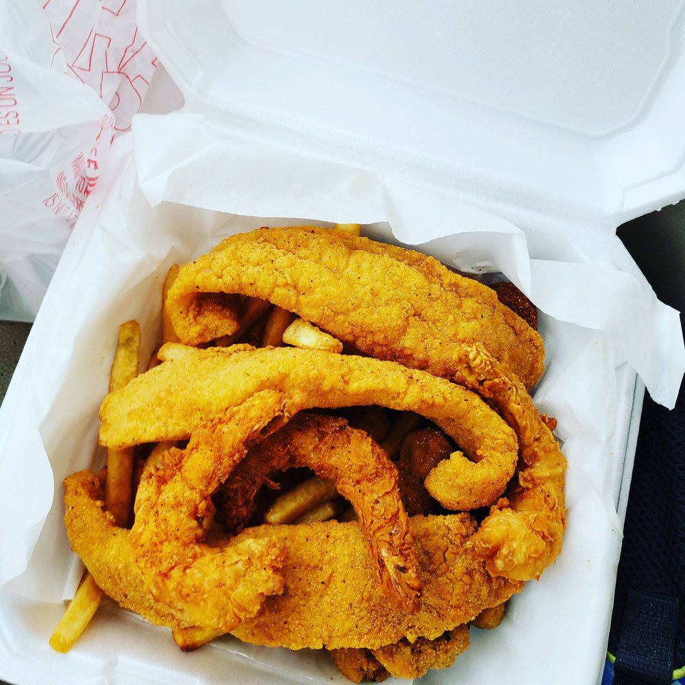 Sam's Southern Eatery: 1730 S Fraser St, Georgetown, SC