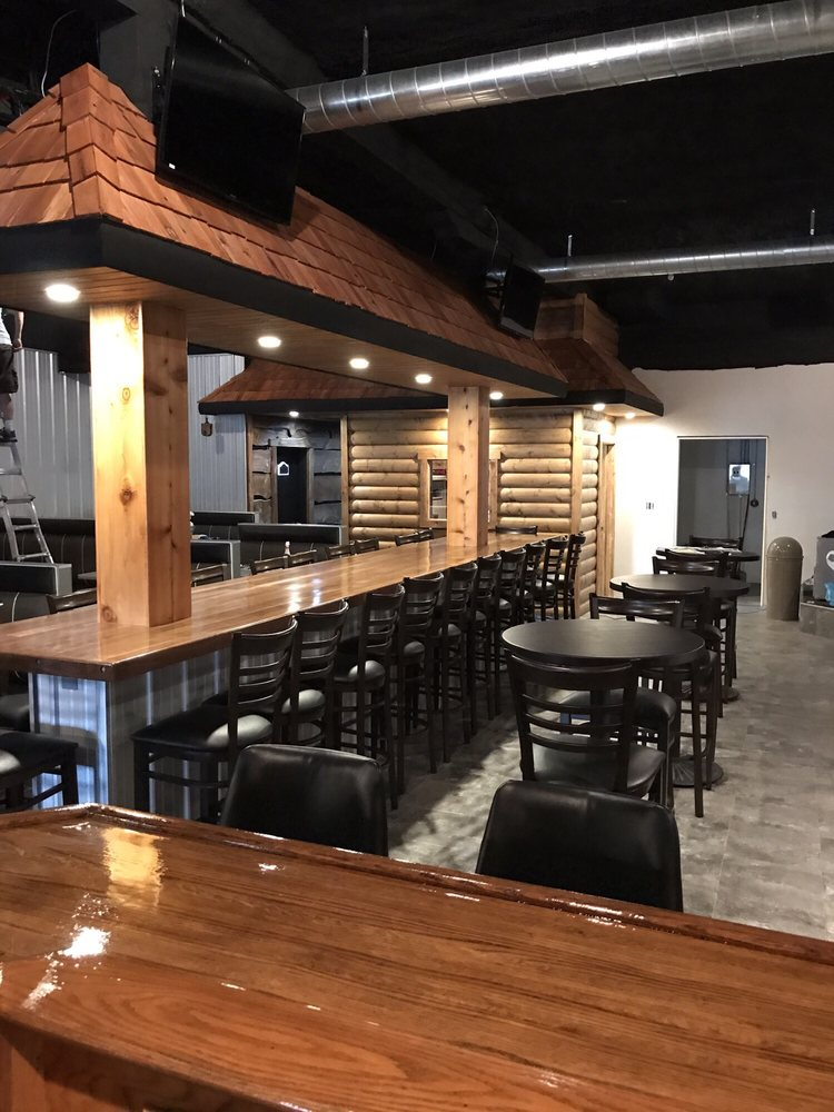 Logger's Lounge: 101 1st St, Pioneer, OH