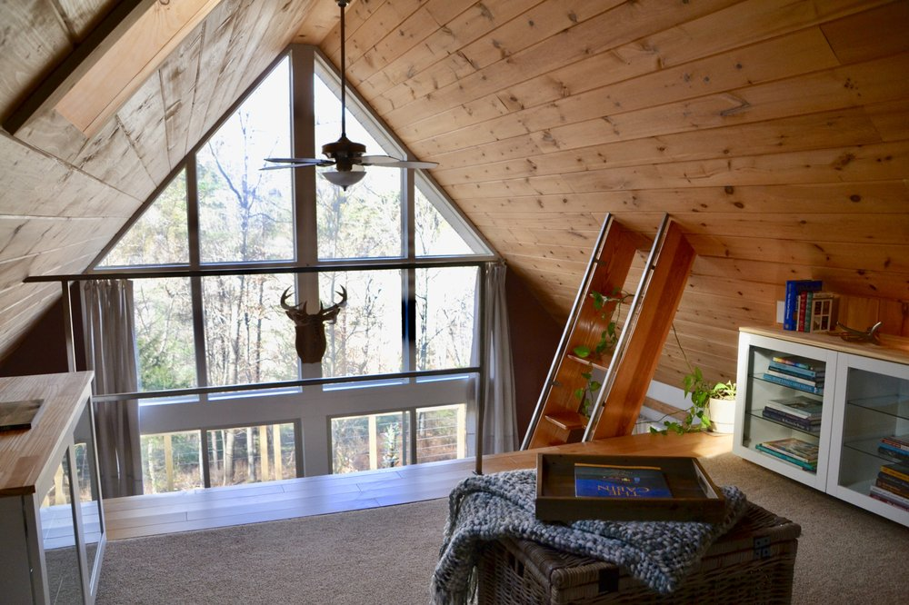 The Hideaway Lost River: 590 Whispering Pines Way, Lost City, WV