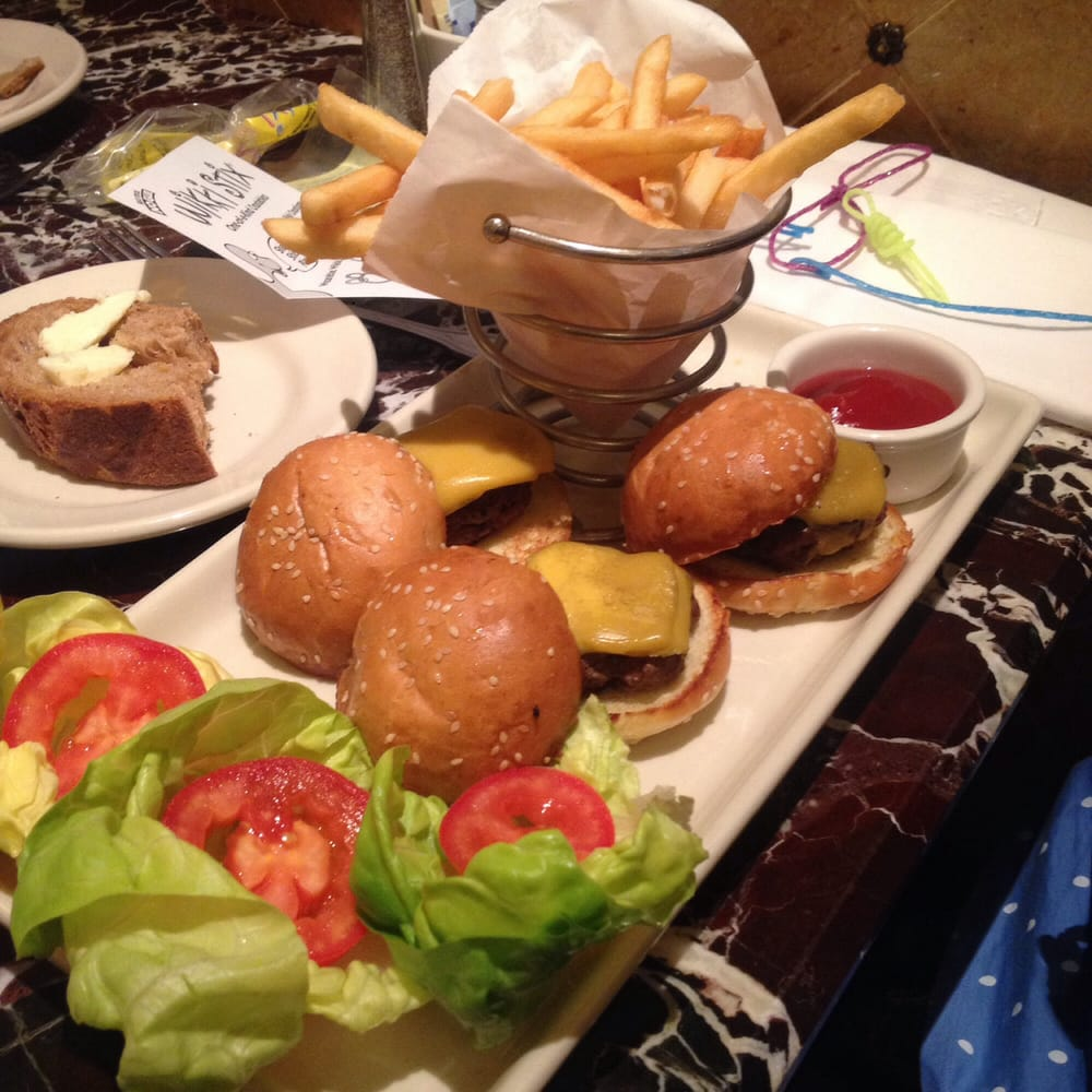 Grand Lux Cafe Burger