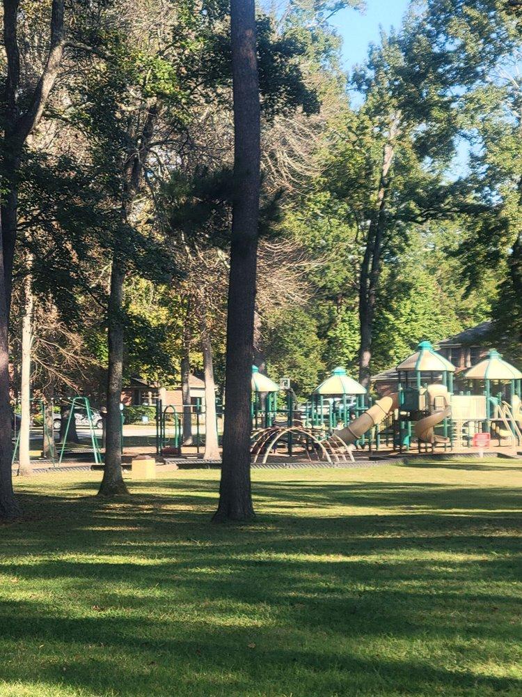 Woodlands Park: 525 Galway Ln, Columbia, SC