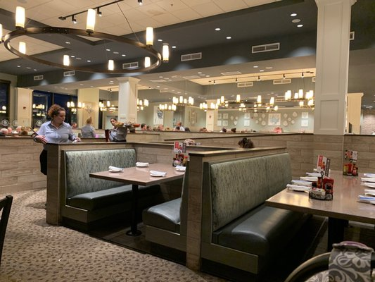 Paula Deen S Family Kitchen 617 Photos 542 Reviews