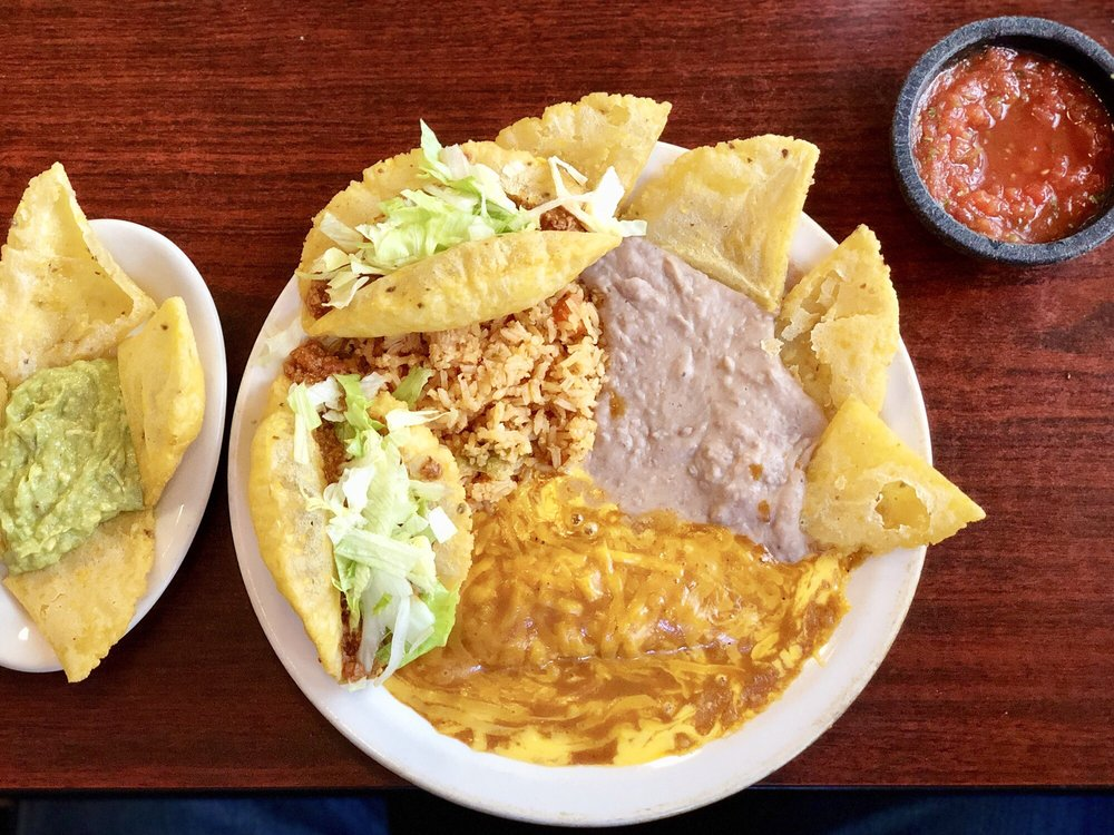 Caro's Restaurant: 205 N Garcia St, Rio Grande City, TX