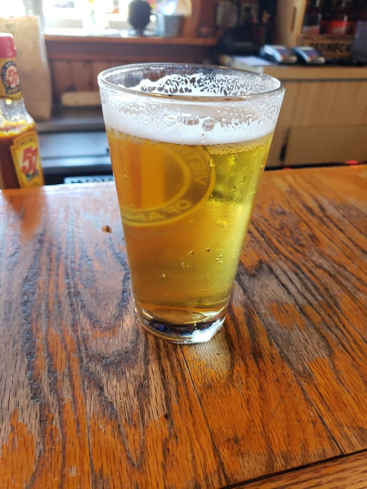 Sportsmans Bar and Grill: 217 Main St, Somerset, WI