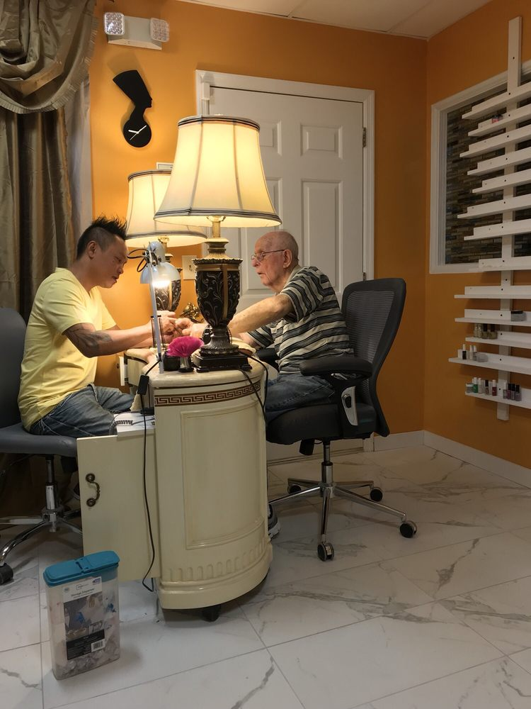 Lavish Nail Care: 75 New Shackle Island Rd, Hendersonville, TN