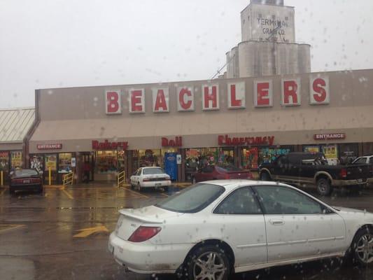 El Reno Oklahoma >> Beachler S Iga 2019 All You Need To Know Before You Go