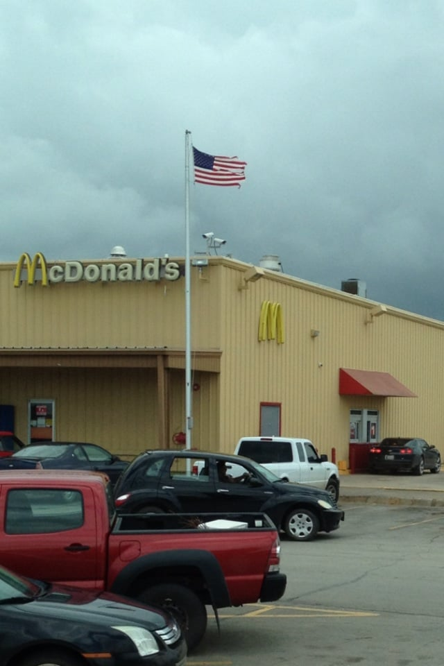 McDonald's: 407 Linwood Plz, Lindsay, OK