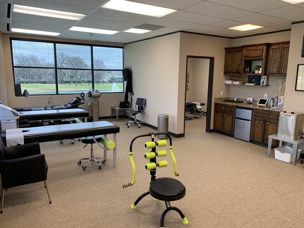 Freedom Chiropractic and Rehab: 19875 SW Fwy, Sugar Land, TX