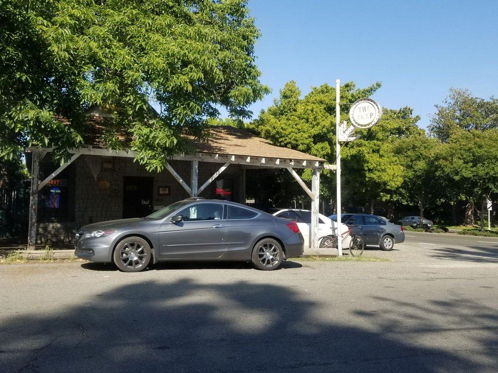 The Trap: 6125 Riverside Blvd, Sacramento, CA