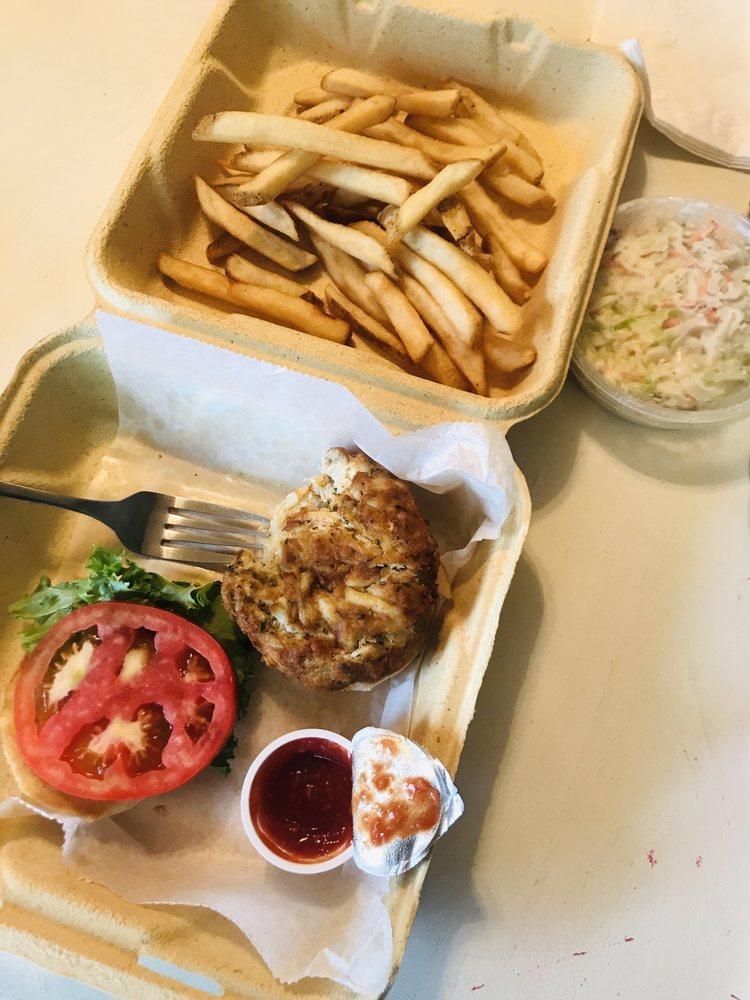 Captain Mac's Fish House & Seafood Market: 37320 Lighthouse Rd, Selbyville, DE