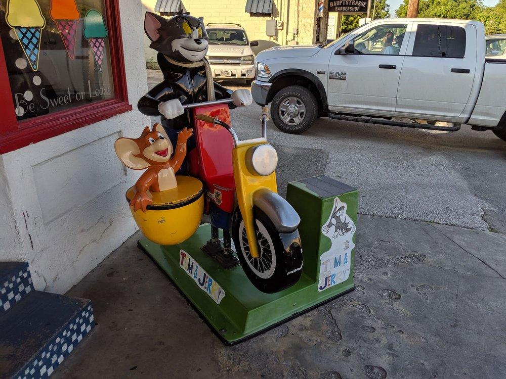 Sugar Shack: 104 E San Antonio Ave, Boerne, TX