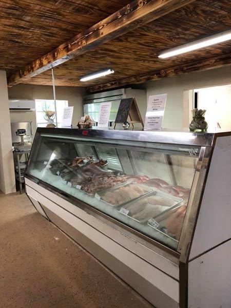Okeechobee Fish Company: 7841 Highway 78 W, Okeechobee, FL