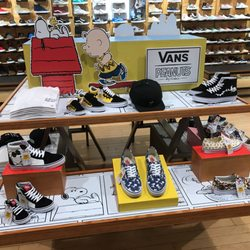 8403334ee6 Vans - 23 Photos   12 Reviews - Shoe Stores - 3030 Plaza Bonita Rd ...