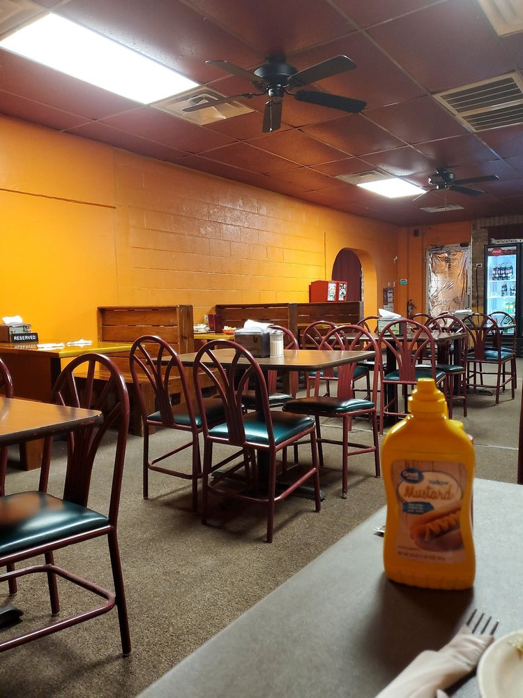 Monterrey's Mexican Restaurant: 229 Hwy 44, Burns Flat, OK
