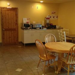 Photo Of Super 8 Ely Minnesota Mn United States Breakfast Room