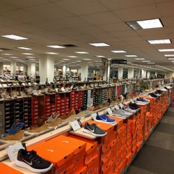 bfb56275666b DSW Designer Shoe Warehouse - 38 Photos   56 Reviews - Shoe Stores ...