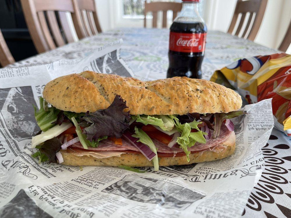 Shipwreck Cafe: 11691 S Lacore Rd, Empire, MI