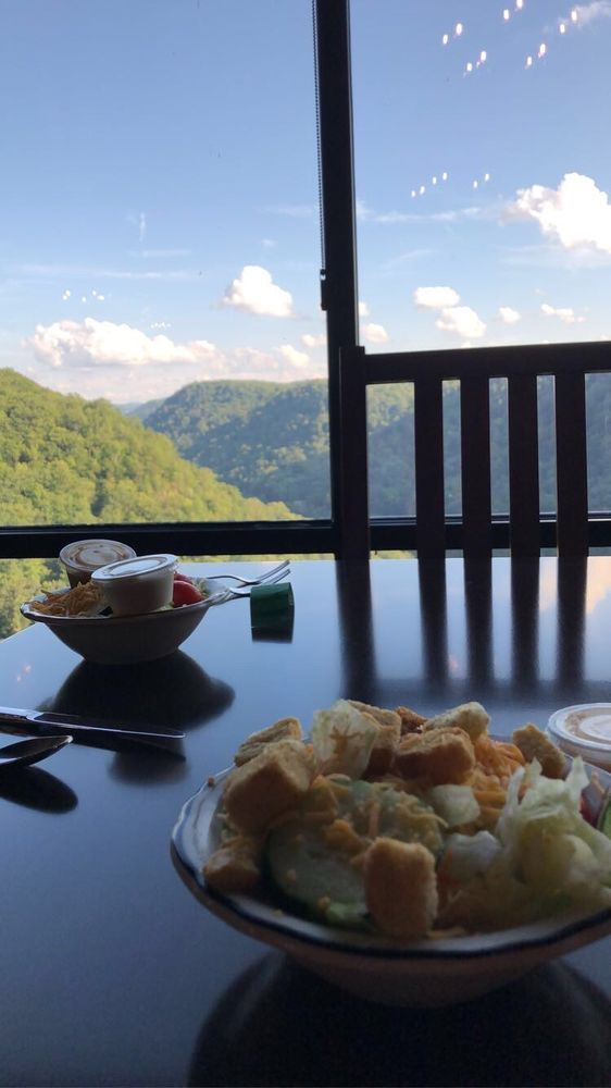Vista Restaurant at Hawks Nest Lodge: 49 Hawks Nest Park Rd, Ansted, WV