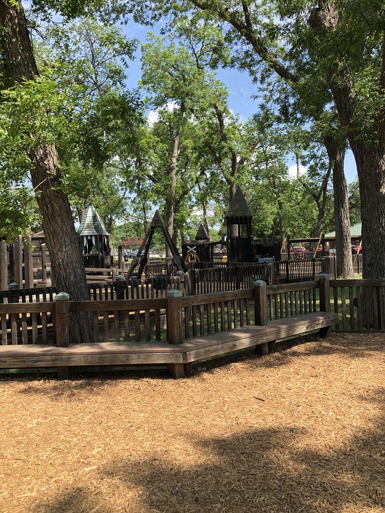 Leonard Park Playground: 1000 W California St, Gainesville, TX