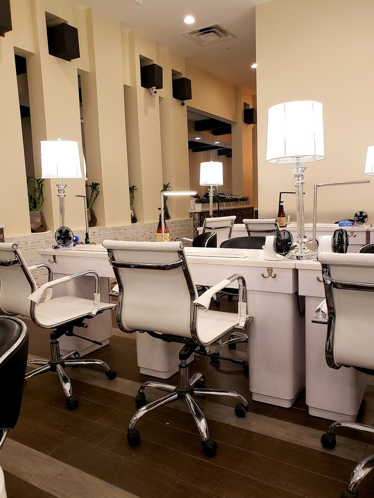 Bella Foundry Row Nail Salon & Spa: 10150 Reisterstown Rd, Owings Mills, MD