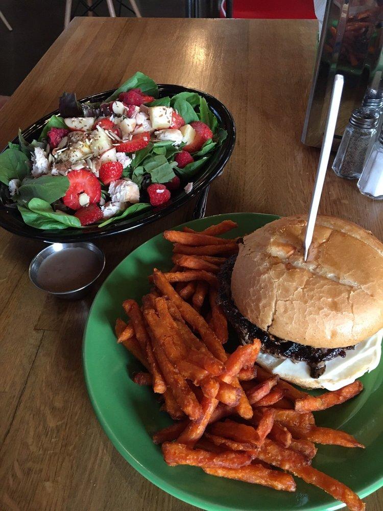 Emerald Eve Cafe & Club: 192 UT-198, Salem, UT