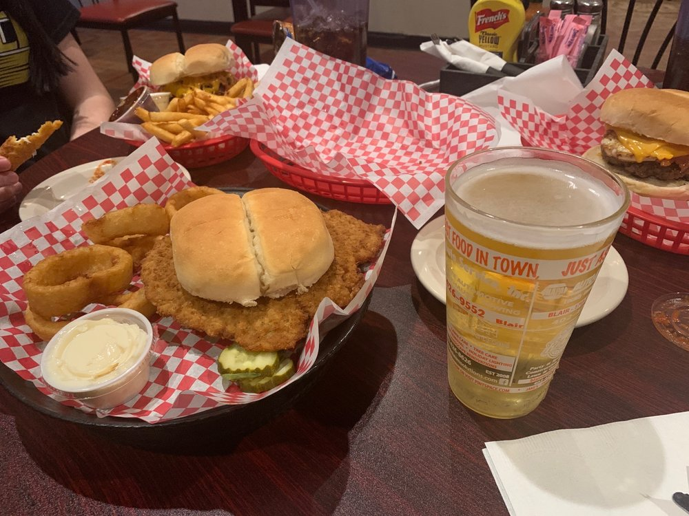 Jake's Sports Bar and Grill: 218 S 8th St, Blair, NE
