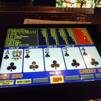 Pelaa online eroottinen pokerian
