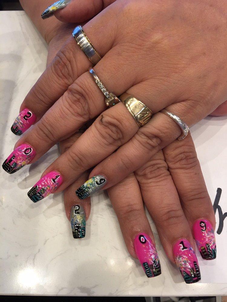 Ambience Nails Lounge: 4020 7th St, Bay City, TX