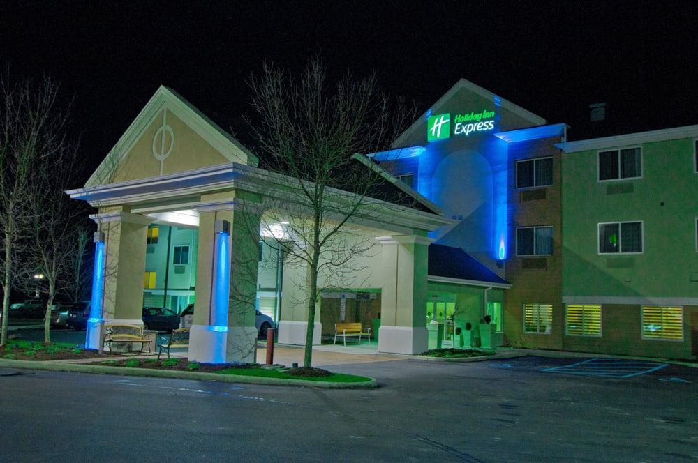Holiday Inn Express Charleston-Kanawha City: 107 Alex Ln, Charleston, WV