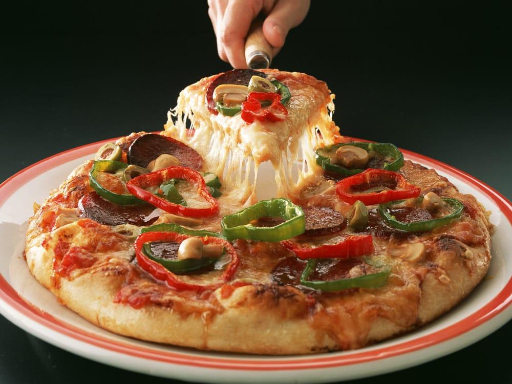 Central Pizza: 7280 49th St N, Pinellas Park, FL