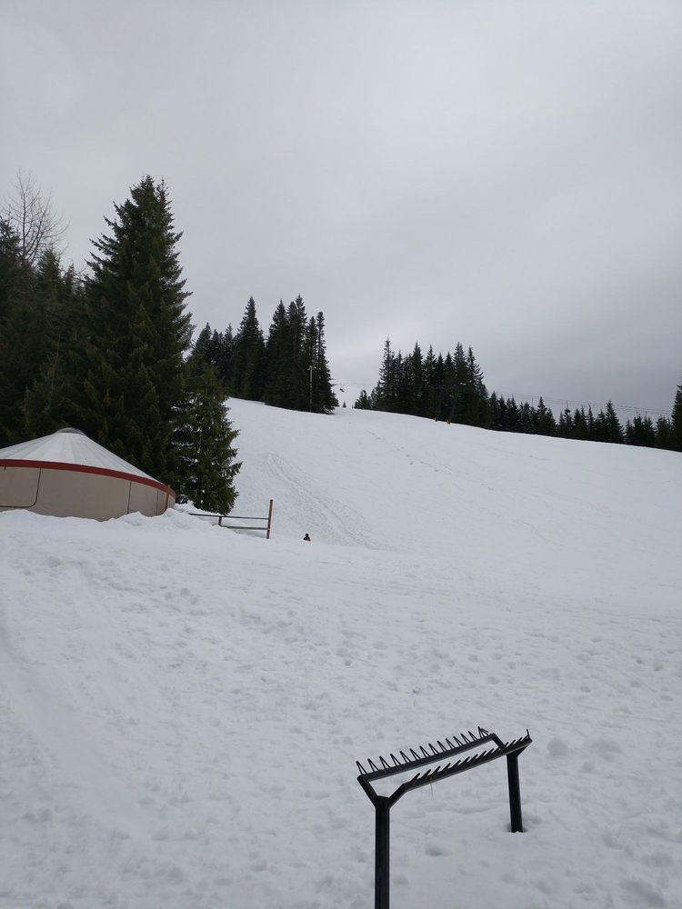 Multorpor Lodge: 31340 E Multorpor Rd, Government Camp, OR