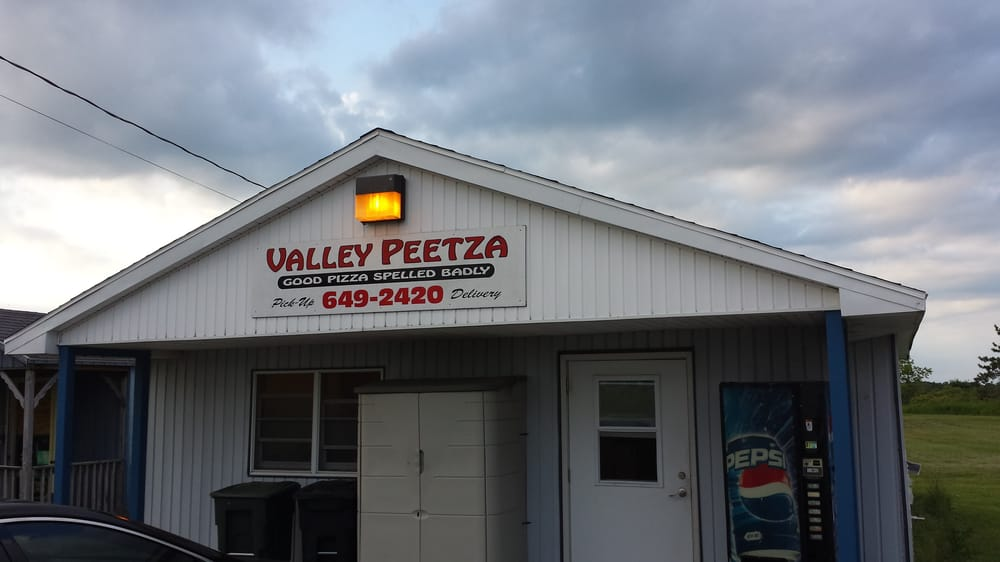 Valley Peetza: 11329 Circle Dr, Chaumont, NY