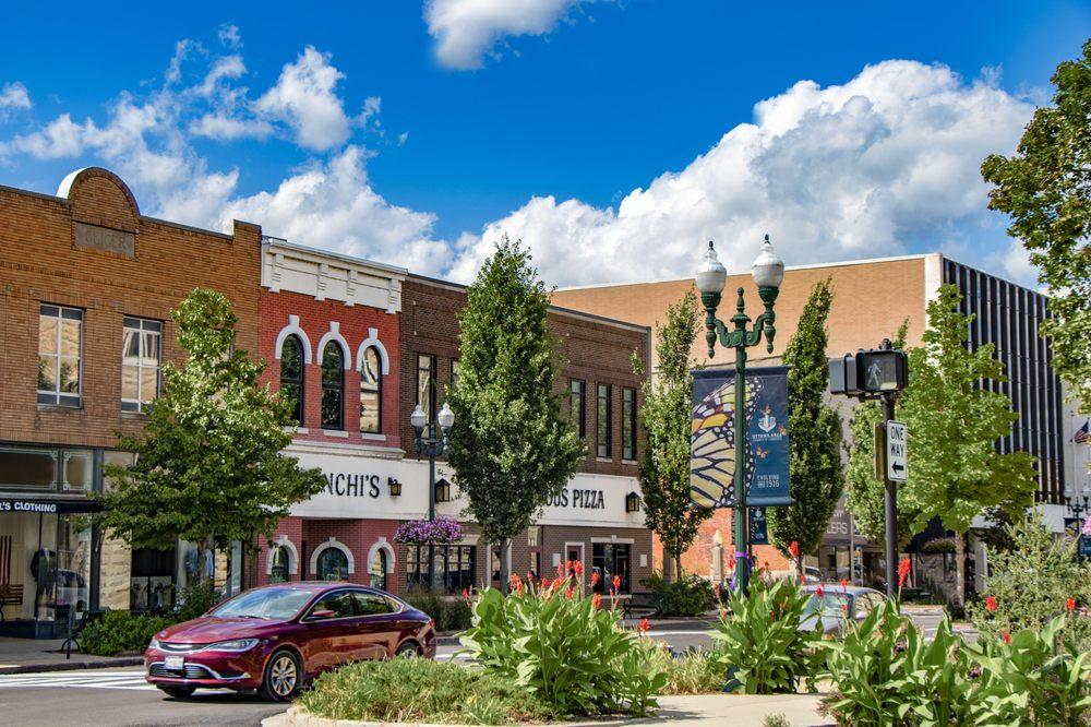 Ottawa Visitors Center: 1028 La Salle St, Ottawa, IL