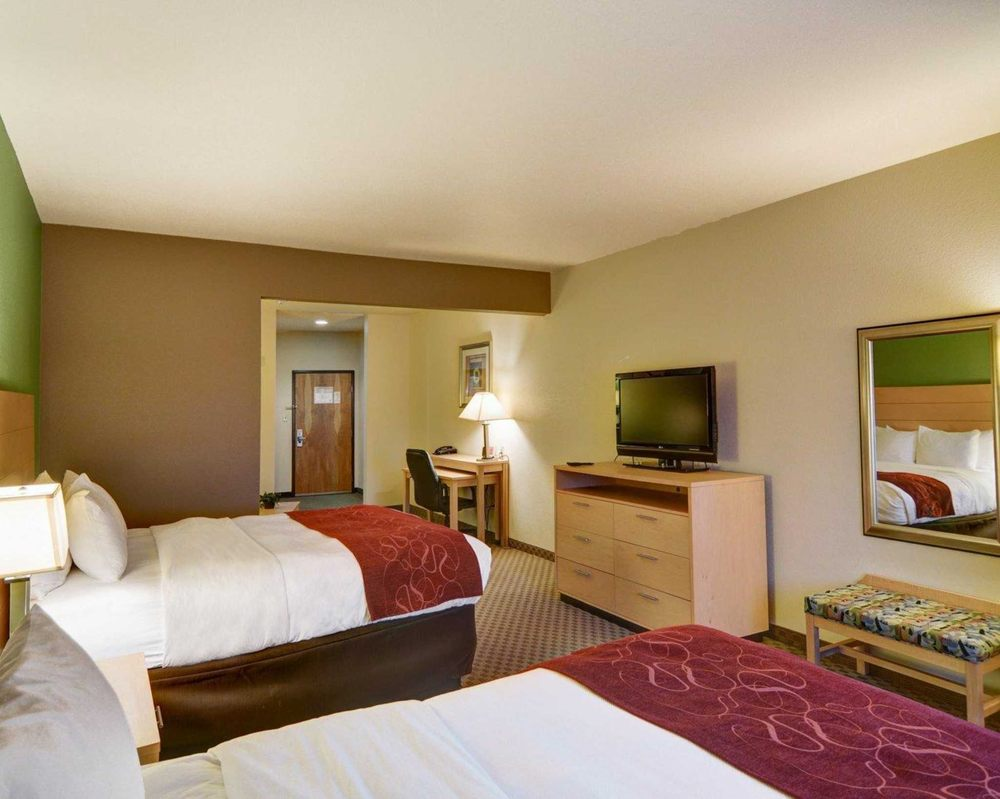 Comfort Suites Lindale - Tyler North: 200 W Centennial Blvd, Lindale, TX