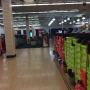 Shoe Stores At Solomon Pond Mall
