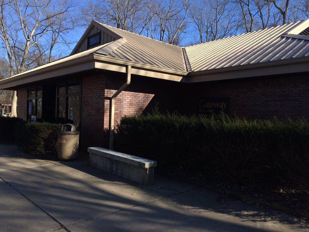 Gateway Rest Area: Mile Marker 25, Saint Louis, MO