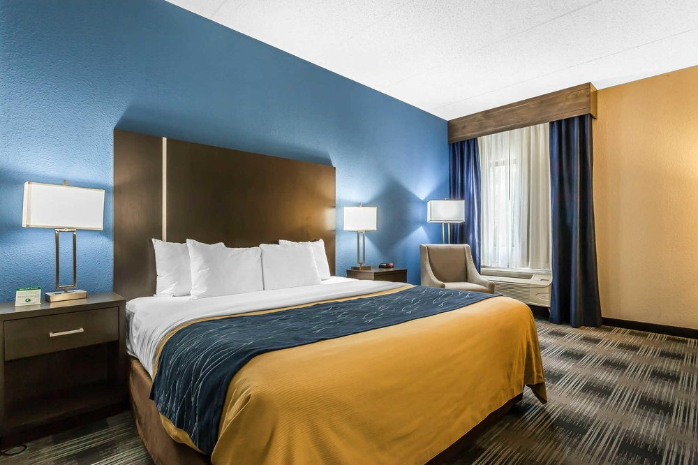 comfort inn cleveland airport 50 photos 27 reviews. Black Bedroom Furniture Sets. Home Design Ideas