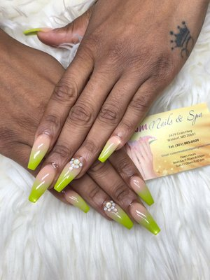 Custom Nails and Spa 2479 Crain Hwy Waldorf, MD Manicurists - MapQuest