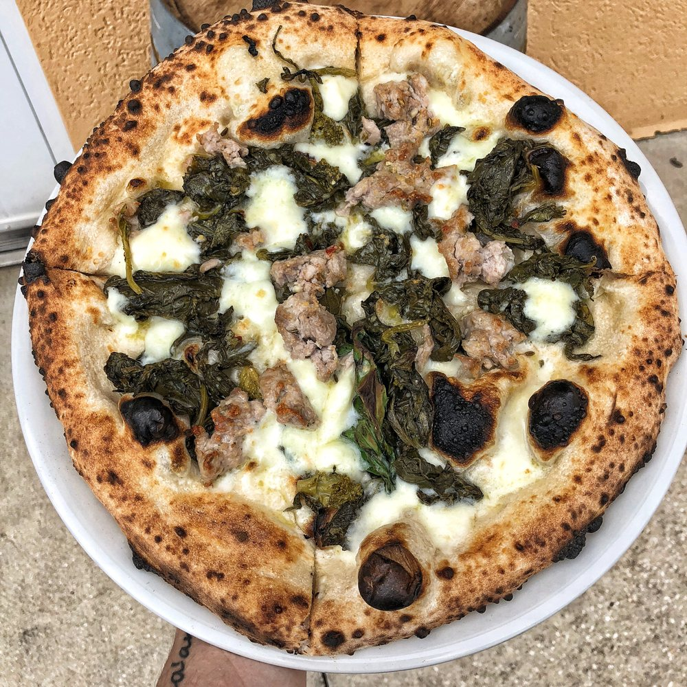 Mangia & Bevi Pizzeria Napoletana: 218 W Cocoa Beach Causeway, Cocoa Beach, FL
