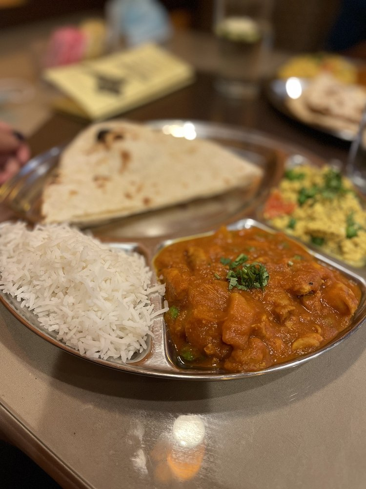 Malhi's Indian Cuisine: 39438 Trade Center Dr, Palmdale, CA