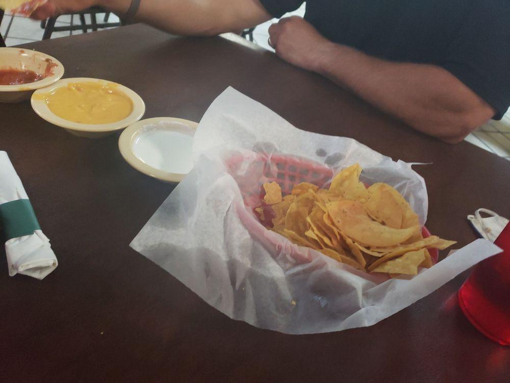 Pepe's Diner: 3618 W Fm 2105, San Angelo, TX