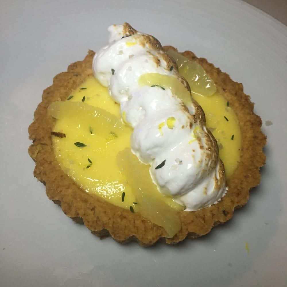 Grandma celia 39 s lemon meringue pie 10 yelp for Izzys fish and oyster