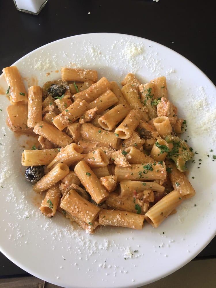 Tarantinos' Italian Grill: 1801 Loop Rd, Vidalia, GA