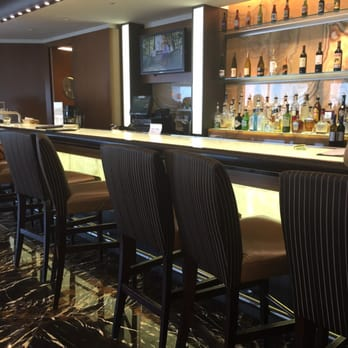 American Airlines Admirals Club 105 Photos Amp 89 Reviews