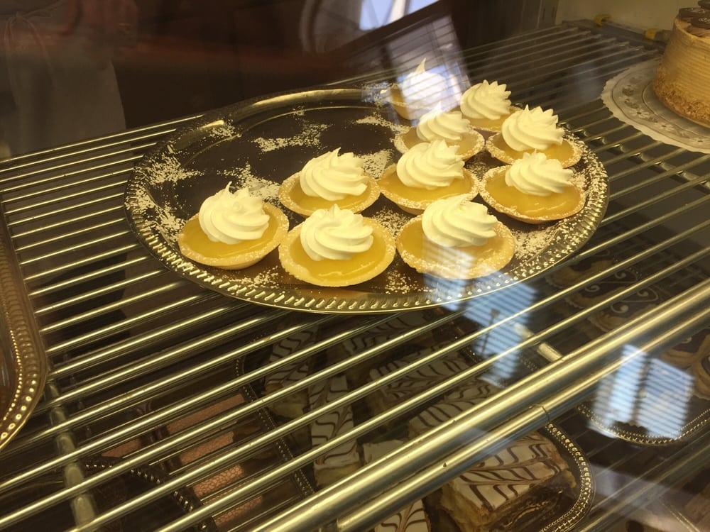 Alpine Pastries: 7070 Schirra Ct, Bakersfield, CA
