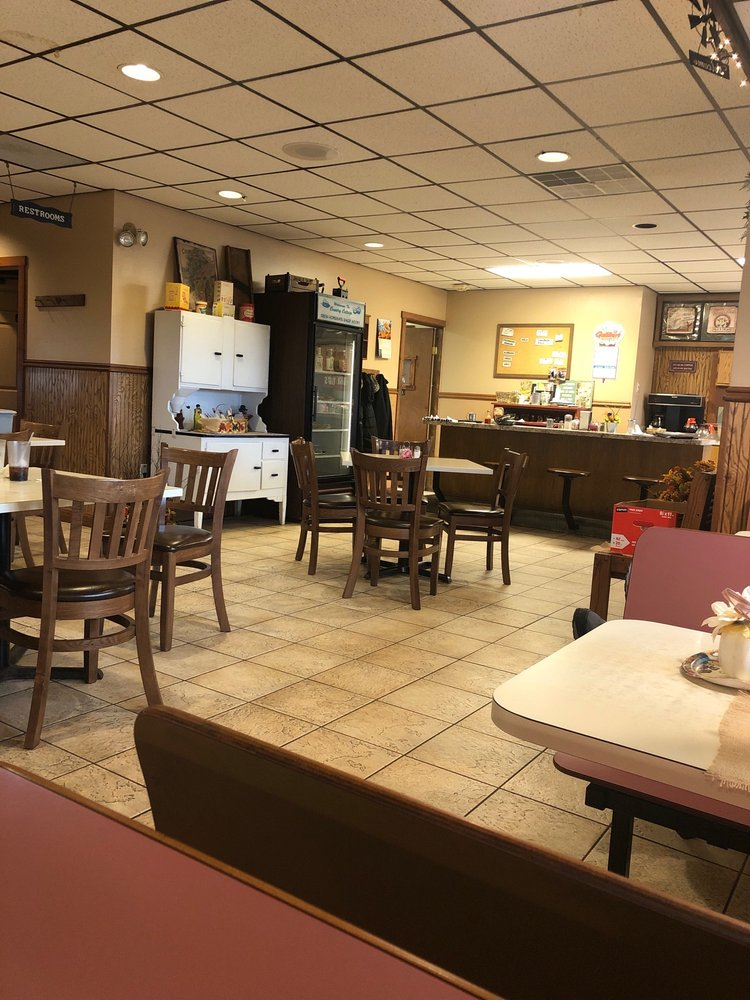 Country Cottage Restaurant: 2817 New Centerville Rd, Rockwood, PA