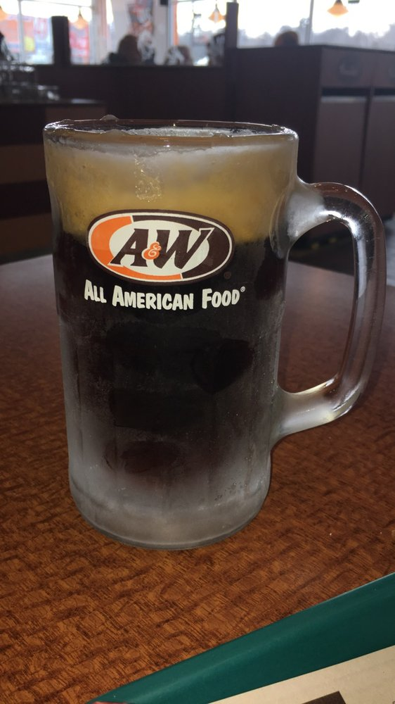 A&W Restaurant: 5070 US Highway 141, Oconto, WI