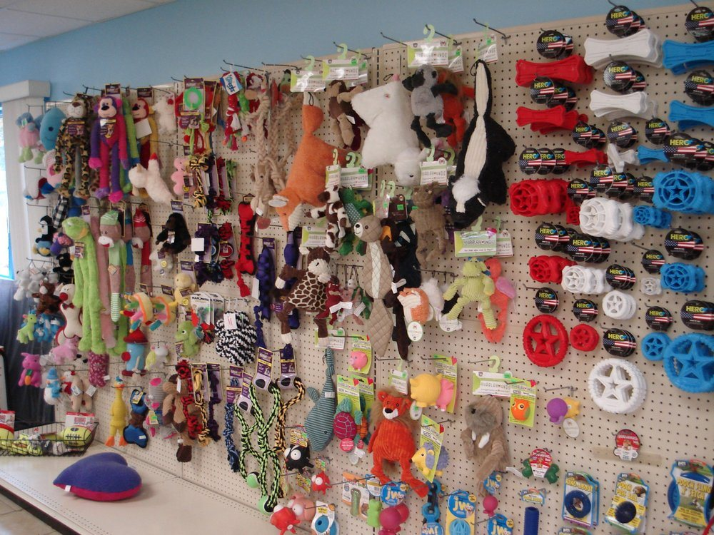 Pet Parlor: 4466 Mitchell Rd, New Castle, PA