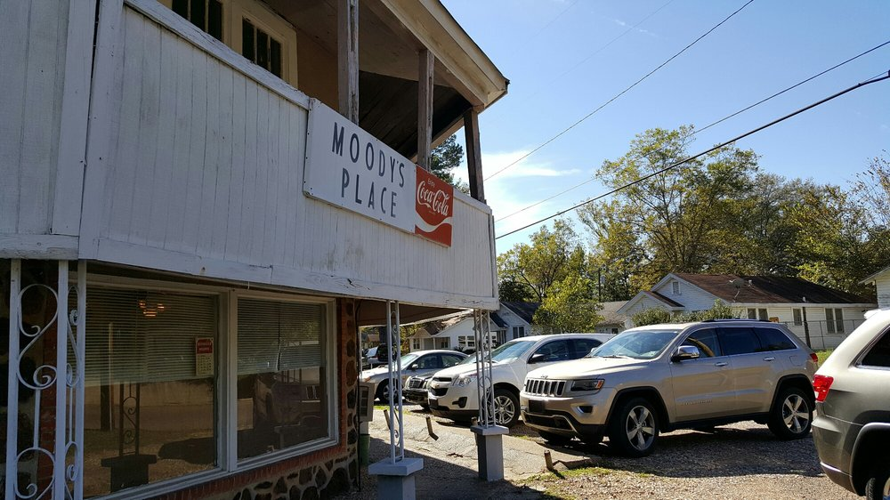 Moody's Restaurant: 601 Martin Luther King Dr, Minden, LA