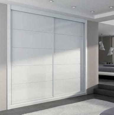 Armario empotrado a medida lacado blanco puertas for Precio armario aluminio terraza